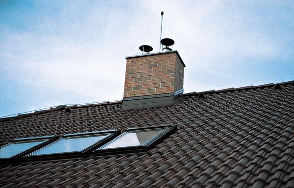 Komín – dôležitý detail dobrej strechy