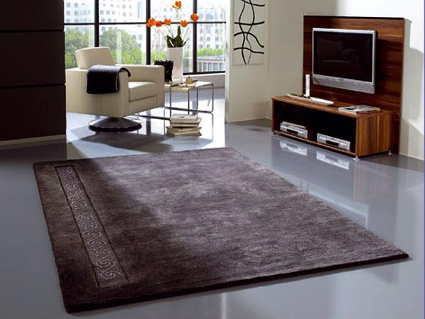 Obývacia izba s laminátovou podlahou