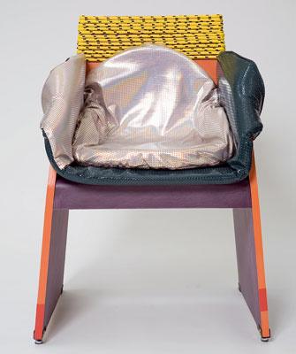 Poklad a brak alebo treasure and trash je podskupina trendu mix-mash, spojeného s miešaním technológií a štýlov. Kreslo Concreta od Rodriga Almeida je ukážkou hľadania poetiky a krásy v lacných industriálnych materiáloch, ako sú syntetický textil, popruhy, laná či káble, a ich využitie v remeselnej výrobe doplnkov a dekorácií pre bytový dizajn.
