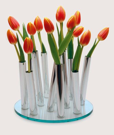 (Philippi, predáva Galan) spôsobné vázy ich šarm neutrpí ujmu, nech už budú s kvetmi, alebo bez nich…