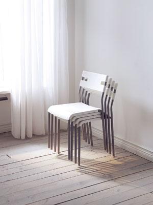 Stohovateľné stoličky – nezaberú veľa miesta, (foto: IKEA)