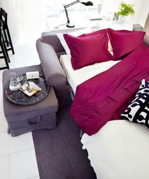 Praktická taburetka s odkladacím priestorom (foto: IKEA)