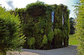 Začiatkom októbra Patrick Blanc zaujal svojím konceptom zvislých záhrad na pražskom festivale Architecture Week. Prednáška sa konala za podpory Francúzskeho veľvyslanectva v Prahe.