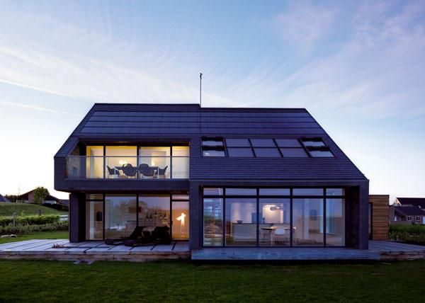Dom pre život je prvou realizáciou z projektu VELUX Model Home 2020. Projekt zahŕňa experimentálnu výstavbu a skúmanie šiestich aktívnych domov v rôznych častiach Európy. FOTO: Adam Mork pre VELUX