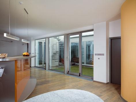 Môže dom poskytnúť súkromie aj v meste?