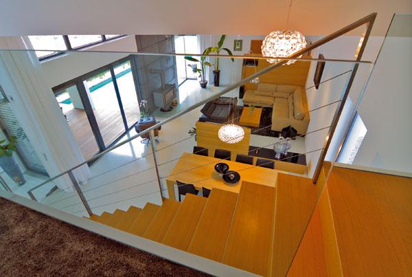Subtílnosť, elegancia ačistota objemového konceptu je pre stavby architekta Bartala príznačná.