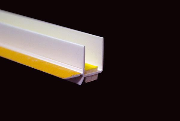 Zdroj: HPI – CZ spol. s r.o.  Okenní lišta s integrovanou lepící páskou