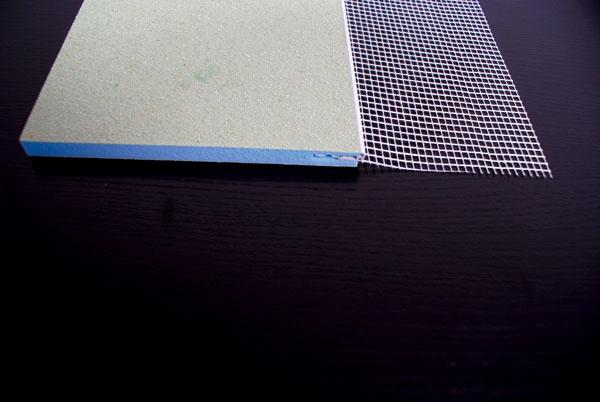 Zdroj: HPI – CZ spol. s r.o.  Rovná deska s rohovou lištou a tkaninou