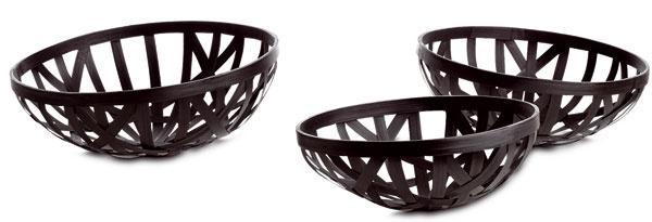 Pletené bambusové košíky Basket, rozmery: 15 × 40 cm. Cena 19 €. Predáva BoConcept.