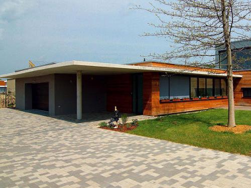 Sympatický bungalov v štýle architektonickej moderny