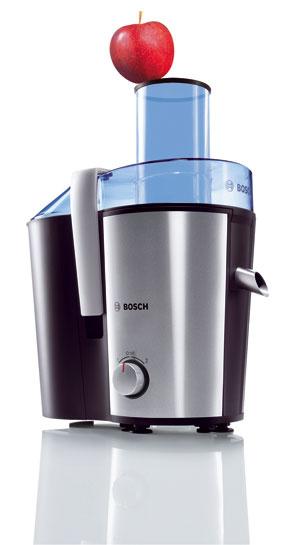 Odšťavovač Bosch MESS 3000 sveľkým plniacim otvorom (ovocie azeleninu pred odšťavovaním netreba krájať), ktorého súčasťou je aj nádoba na vylisovanú šťavu soddeľovačom peny, 149,20 €