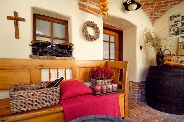 Moderná prestavba by bola možno lacnejšia amenej prácna, ale chceli tu zachovať odkaz na staré vinárske tradície.