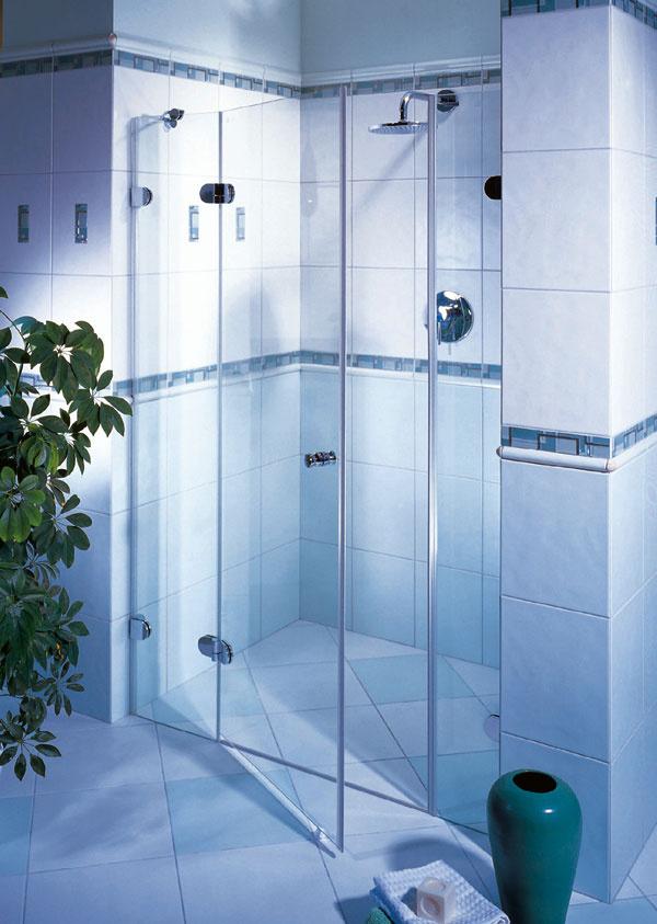 Moderná kúpelňa so sprchovacím kútom