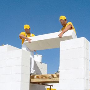 Najjednoduchšie preklenutie otvoru pomocou prekladu, ktorý je súčasťou stavebného systému.