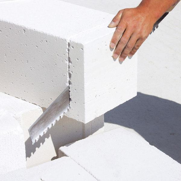 Dôležité je dodržiavať správne a adekvátne pracovné postupy výstavby s konkrétnym materiálom.