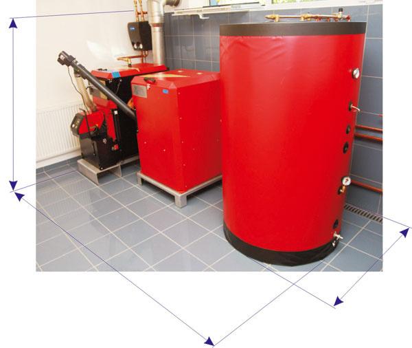 Zariadenie na automatickú prevádzku pri spaľovaní biomasy – kotol na pelety, zásobník sdopravníkom peliet aakumulačná nádrž