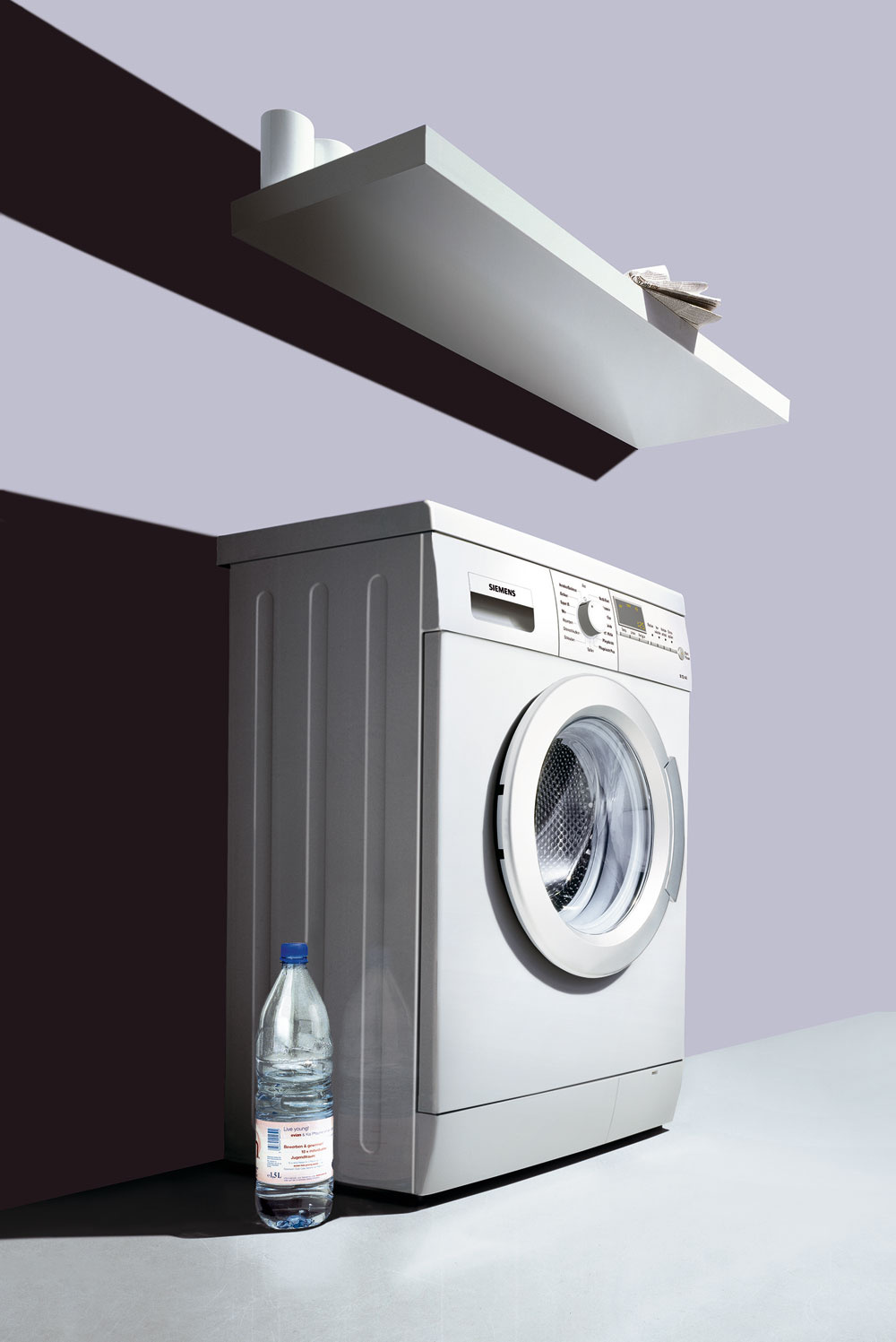 Práčka Siemens SlimLine WS 10M460BY so šírkou 44?cm je ideálna do malej kúpeľne. Voliteľné funkcie: predpranie, ochrana proti pokrčeniu, voda plus, škvrny, stop pláchanie, nastavenie počtu otáčok, teploty a konca prania, powerWash 60´, super 15´, prací program outdoor/impregnácia, tlačidlá touchControl. Cena 575 €.