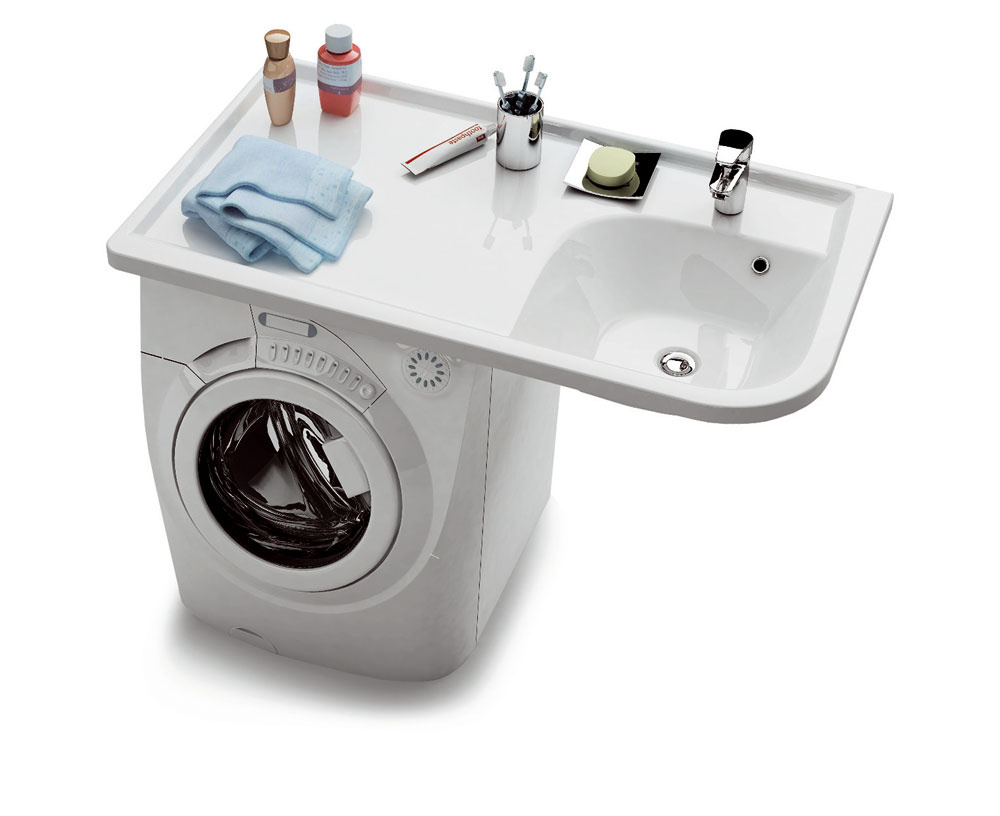 """Skúste sa zamyslieť, koľko priestoru vkúpeľni """"zbytočne"""" zaberá práčka. Problém najmä vmalých kúpeľniach môžete vyriešiť umývadlom sveľkou odkladacou plochou, pod ktorú sa zmestí práčka."""