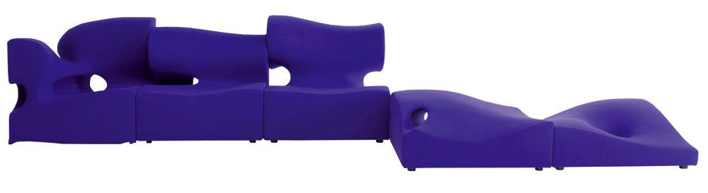 Hrajte sa, máte predsa voľný priestor, tak využite nábytok na to určený…