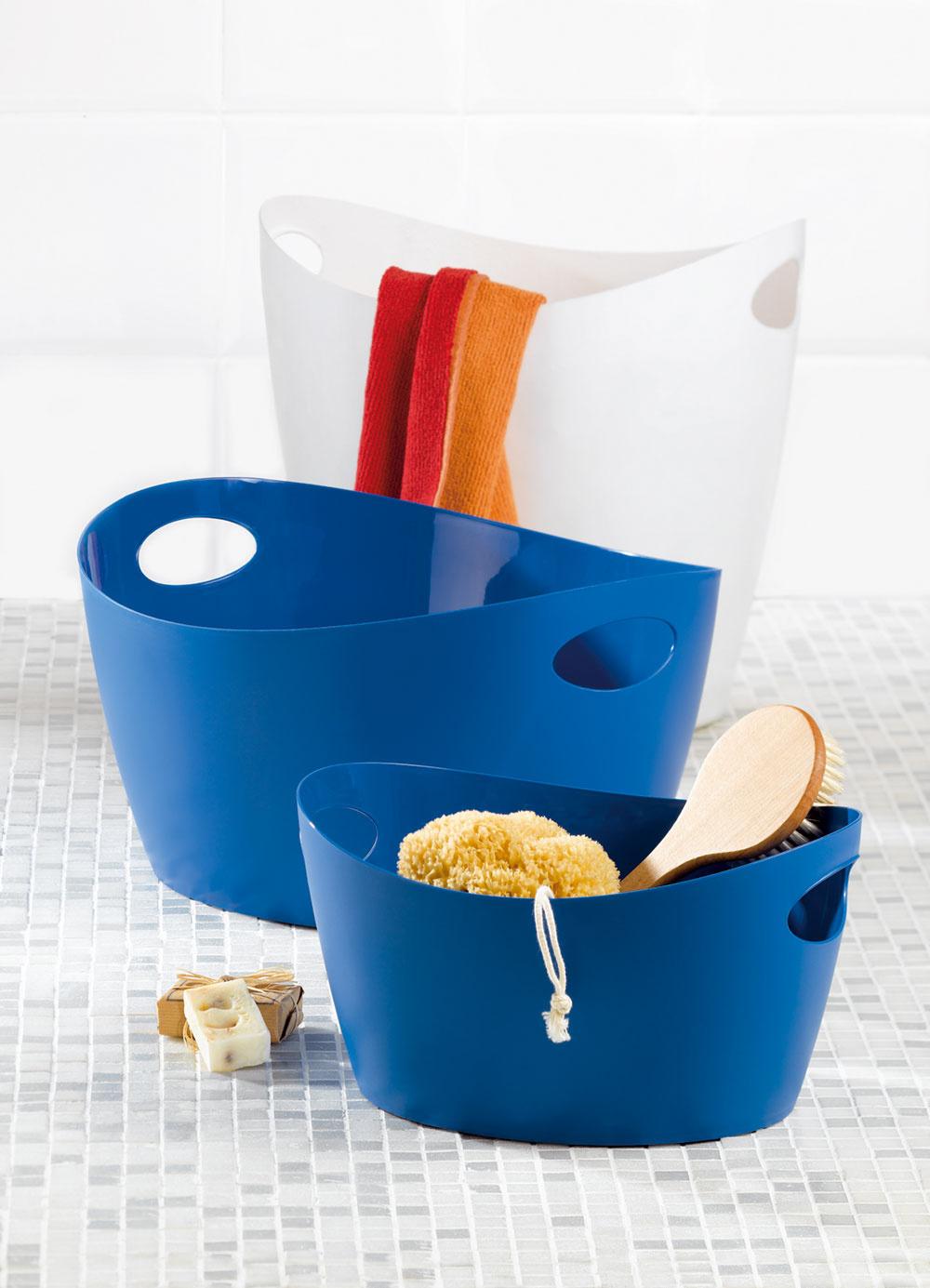 Pri návrhu veľmi premyslené, aby tvar pôsobil celkom samozrejme: plastové nádoby značky Koziol.