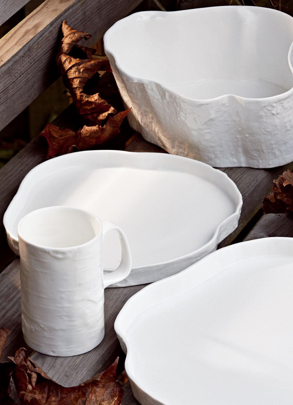 UTannera & Jeffreeho sa sofistikovane deformovalo apotom dôkladne pieklo. Keramika je to jemná adizajnéra Andrewa Tannera za návrh pochválili.