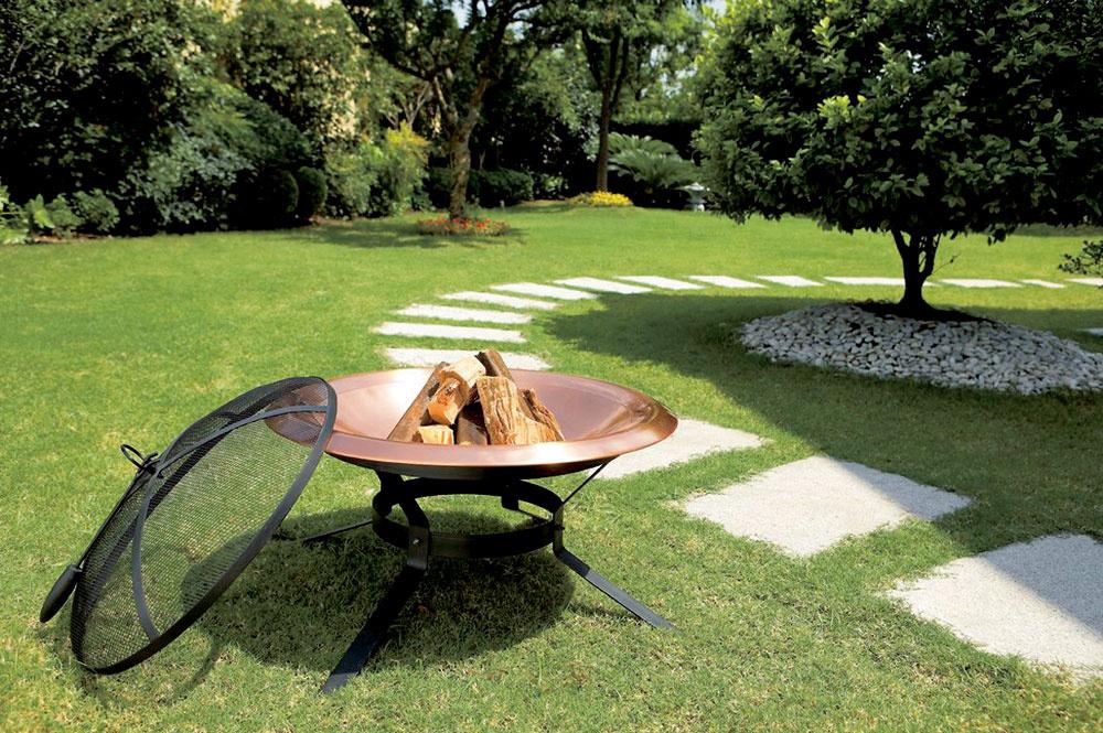 Milujete romantiku táborového ohňa? Nie je žiadny problém opekať aj na vlastnej záhrade aštýlovo, vprenosnom ohnisku.