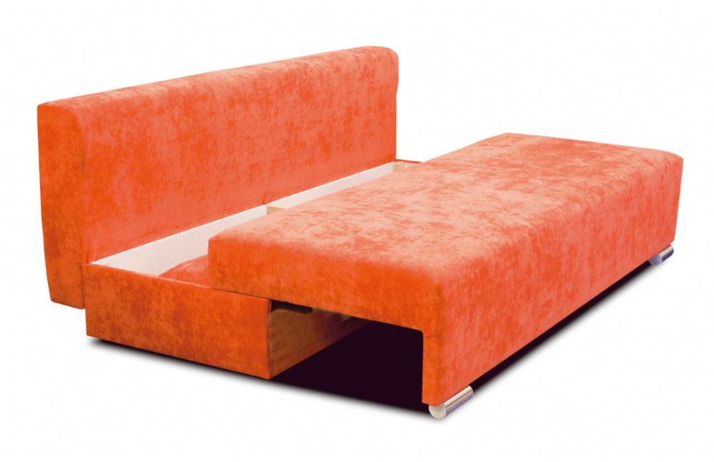 Rozkladacia pohovka Dav súložným priestorom. Cena 370 €. Dodáva Drevona.