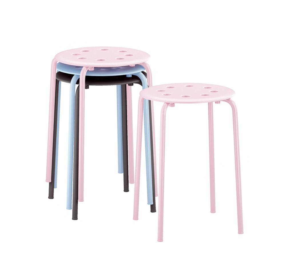 Stohovateľné stoličky Marius, dizajn Ola Wihlborg. Oceľ upravená práškovou farbou apolypropylénový plast. Cena 3,99 €/ks. Predáva IKEA.