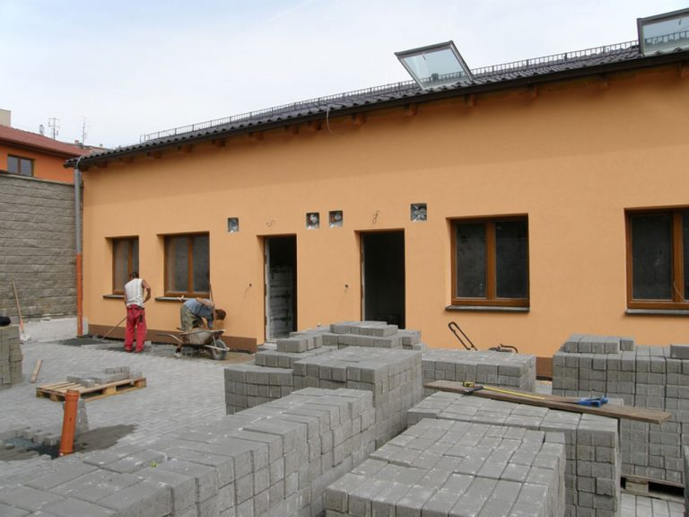 Pri stavbe pasívneho bytového domu v Modřiciach sa uplatnil systém KMB SENDWIX