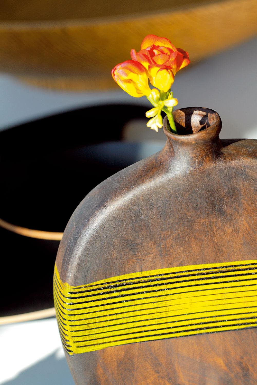 Masívna keramická váza Sambia od firmy Ritzenhoff. Výška 30 cm. Cena 26,57 €. Predáva Galan.