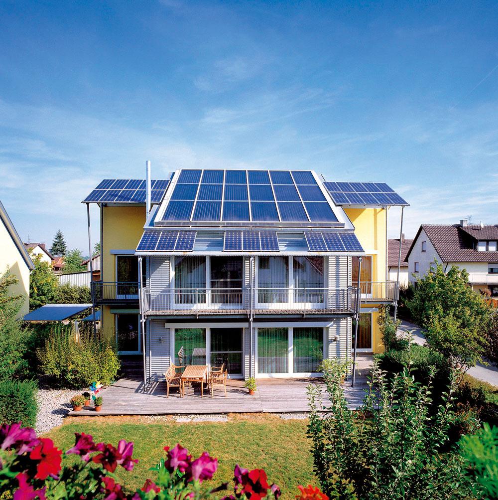 Solárne panely možno vhodne kombinovať ana inštaláciu využiť každú vhodnú plochu.