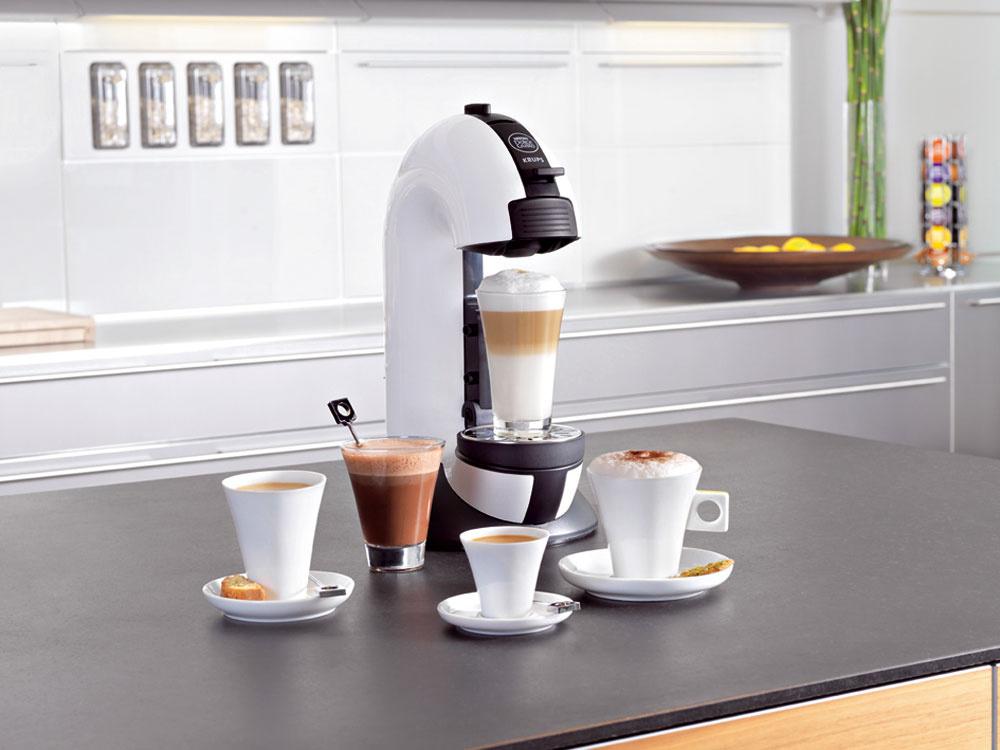 Kávovar scenou za dizajn