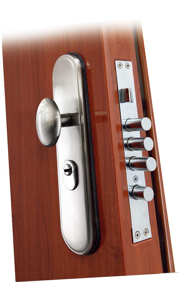 Certifikované bezpečnostné dvere Securido spolu svystuženou zárubňou spĺňajú nároky na zabezpečenie majetku, tesnosť, zvukovú aj tepelnú izoláciu. Dvere sú vyrobené zpevných oceľových platní a kich výbave patrí 9-bodový uzamykací systém, bezpečnostné kovanie (chráni zámok abezpečnostnú vložku) samozrejmosťou je šesť kľúčov, celoobvodové tesnenie, trojité zavesenie na oceľových pántoch, ktoré sú zabezpečené proti zosadeniu, antikorový prah, panoramatický priezorník asystém Anti panic – rýchly systém uzamykania aodomykania dverí znútra bez použitia kľúča. Na výber sú tri farebné vyhotovenia atri dekory.