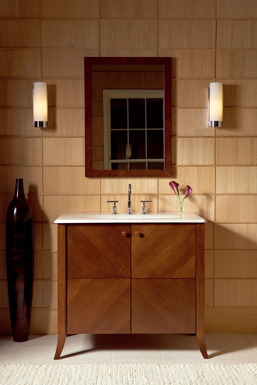 Najvýhodnejšou polohou osvetlenia zrkadla sú dve žiarivky situované po bokoch.