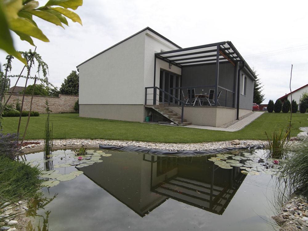 Dom na dedine blízko Trnavy postavený svojpomocne