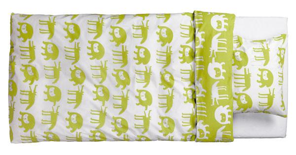 Posteľné obliečky Barnslig Ulven zo 100% bavlny. Dizajn Eva Lundgreen. Rozmery: 200× 150cm,  60 × 50 cm. Cena 14,99€. Predáva IKEA.