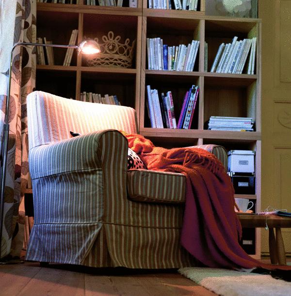 Intelektuálny minikútik je esenciálnou súčasťou priestoru. Napriek tomu pôsobí pokojným a harmonickým dojmom, kde sa čitateľ bez rušivých momentov stáva súčasťou príbehu.