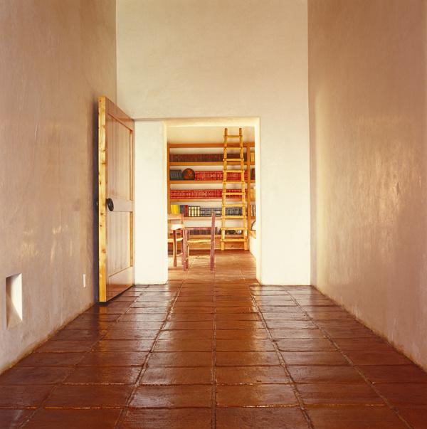 Vitajte v tzv. nafukovacej knižnici. Pre ľudí, ktorí potrebujú protiknihoholické liečenie takýto typ knižnice neodporúčam. Kapacita knižnicovej pamäte? Jednoducho neobmedzená. (foto: isifa)