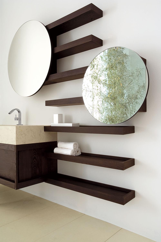 Ak vôbec neuvažujete odetskej kúpeľni, svojej ratolesti aspoň zpraktického hľadiska pomôžte svyužívaním spoločnej kúpeľne. Poteší napríklad druhé zrkadlo umiestnené očosi nižšie, aby sa aj vaša malá parádnica mohla upraviť pred odchodom do škôlky.