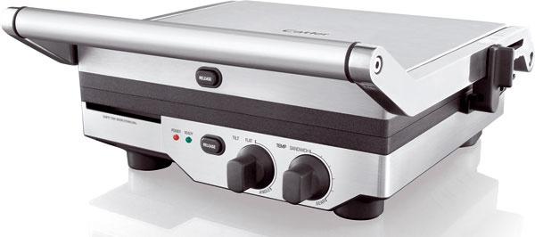 Kontaktný gril Catler GR 8011 z nehrdzavejúcej ocele a ušľachtilých kovov. Vrúbkované dosky na grilovanie s nepriľnavou povrchovou úpravou Quantanium (rozmery: 29,5 × 26 cm), vymeniteľná plochá doska na grilovanie, nastaviteľný sklon spodnej dosky a výška vrchnej dosky, variabilné nastavenie teploty od 180 do 220 °C, svetelná indikácia nahriatia grilovacích plôch. Príkon 2 200 W. Cena 155,99 €. Predáva Planeo Elektro.