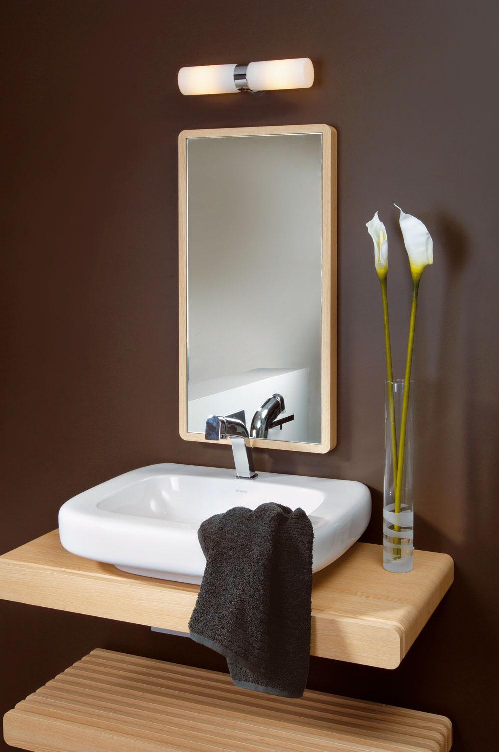 Je veľmi dôležité rozoznávať miestnosti, vktorých inštalujete svietidlá. Nie všetky svietidlá, ktoré sa hodia do obývačky či chodby, sú vhodné aj do kuchyne alebo kúpeľne – najmä zbezpečnostných dôvodov. Na používanie vkúpeľni sú určené špeciálne svietidlá sochranou proti vlhkosti. Vodovzdornosť pri svietidlách rozoznáte podľa ukazovateľa IP (Ingress Protection), ktorý sa uvádza na obale.