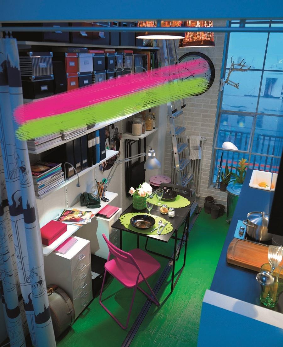 Odtiene ružovej sú istotne tie najkontroverznejšie. Nežná rodinná divízia ju miluje, pre tú mužskú je zaťažko zniesť sa s ňou. Ružová kuchynská stolička sa môže stať spolu so zeleným podkladom zaujímavým akcentom, ktorý rozbije monochromatický dojem malého priestoru. (foto: Ikea)