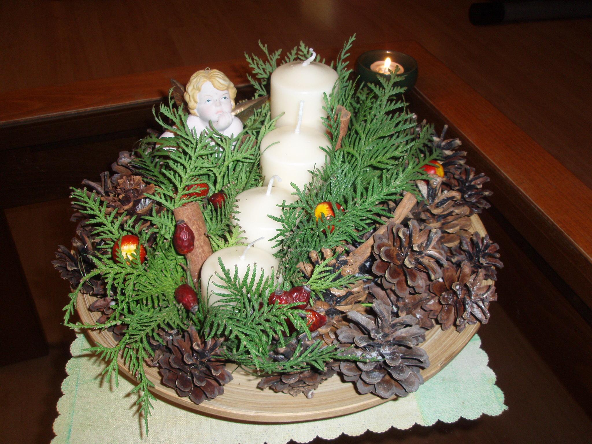Vianoce sa blížia, a tak prinášame ako inšpiráciu aj adventný veniec, ktorý vyrobila čitateľka Slávka.