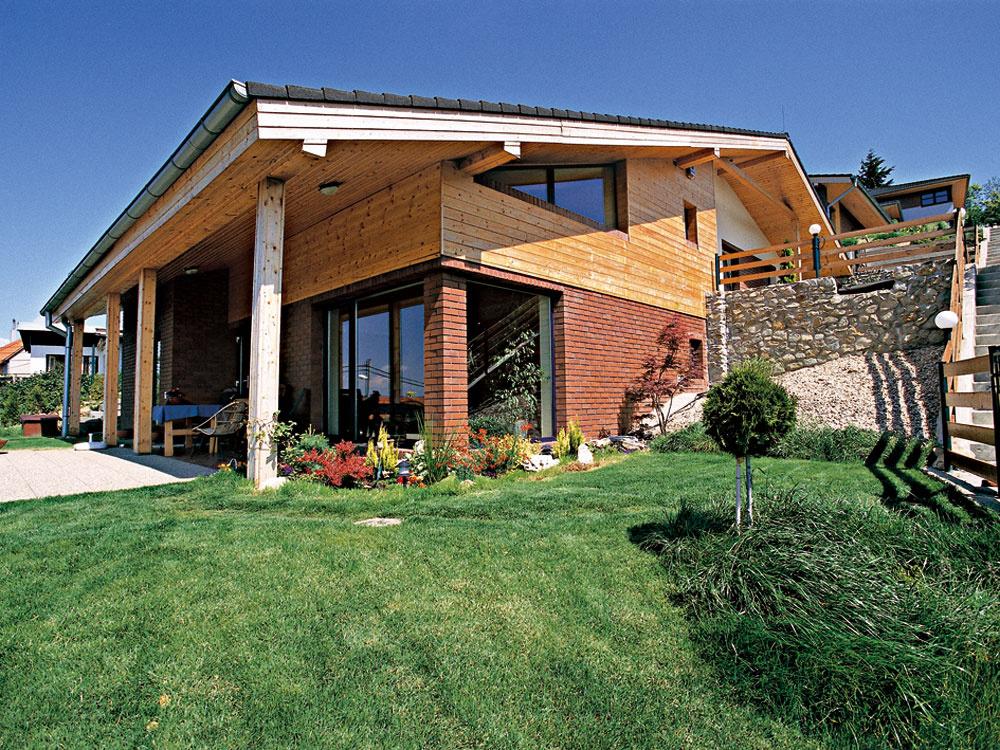 Výber pozemku potrebuje svoj čas, neunáhlite to. Napostavenom dome sa dá všeličo opraviť, čo sa nepodarí, no dom už nepremiestnite.