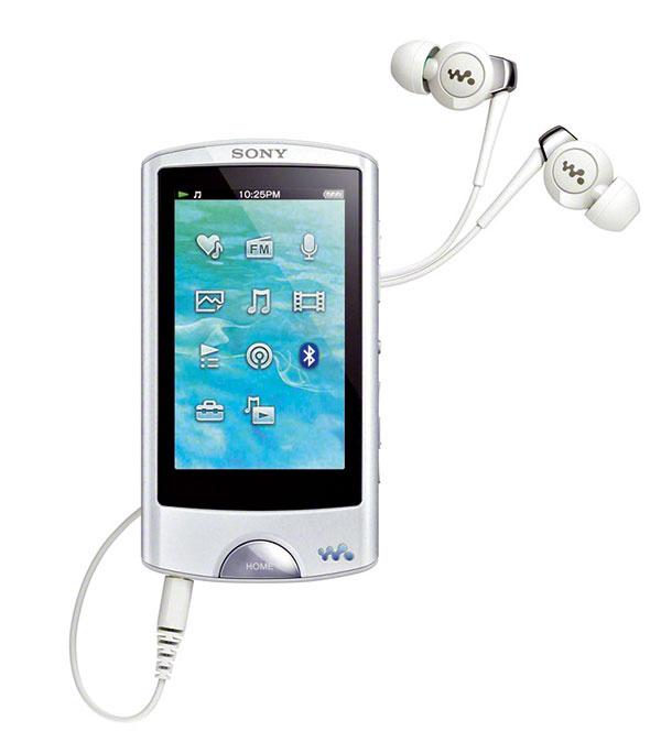 Video MP3 prehrávač Sony Walkman NWZ-A860 je pre skutočných audiofilov. Vďaka 2,8-palcovému LCD displeju si okrem hudby môžete prezerať aj fotografie či videá. Štýlový Walkman poteší bezdrôtovým rozhraním Bluetooth či funkciou SensMe, ktorá vie automaticky zatriediť pesničky podľa štýlu hudby. Odporúčaná maloobchodná cena 165 €.