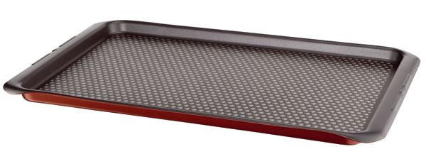 plech Tefal Specialistes, svnútorným nepriľnavým povrchom Tefal Expert Pro, stvrdou keramickou bázou (dlhá trvácnosť). 100 %-ný hliník zaisťuje rovnomerné šírenie tepla. Vhodné do umývačky.
