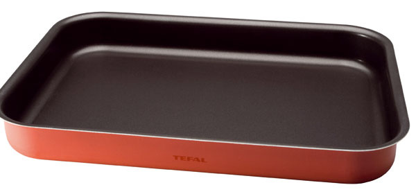 Pekáč aplech Tefal Specialistes J1154852 aJO267052 svnútorným nepriľnavým povrchom Tefal Expert Pro, stvrdou keramickou bázou (dlhá trvácnosť). 100 %-ný hliník zaisťuje rovnomerné šírenie tepla. Vhodné do umývačky. Cena 19,90 € a15,90 €.