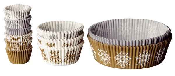 Papierové formičky Snödriva so zimným motívom použiteľné do teploty 220 ˚C. Cena 2,99 €/220 ks. Predáva IKEA.