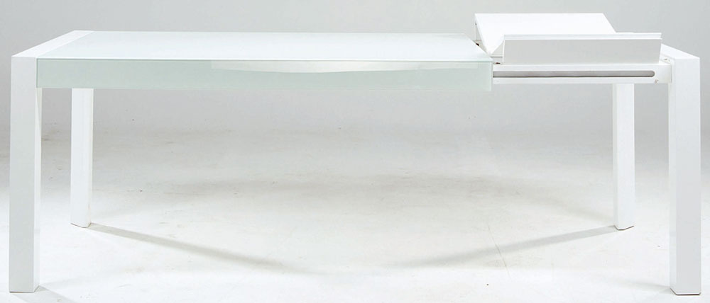 Klasický jedálenský stôl Prime smožnosťou rozkladania, svýsuvným čelom, rozmery 160×210 × 90 cm, výška 78 cm, cena 669€, predáva kika.