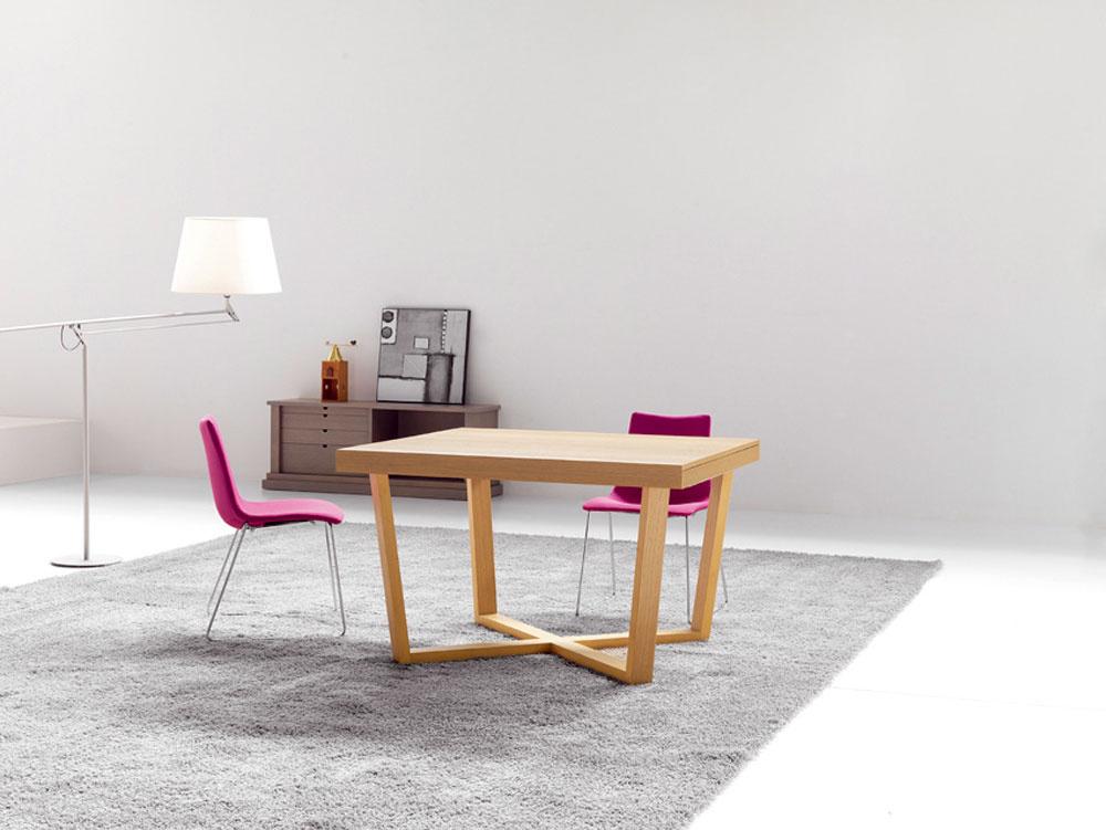 Drevený stôl Zoe so zaujímavou podnožou, Tinto Muebles, rozmery 110 × 120 × 75cm, cena 1554 €, predáva Nova Interier Studio.